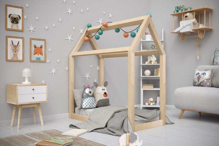 Mueble de madera natural para ninos
